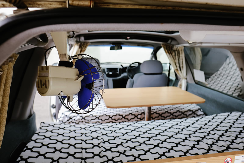 Awesome Deluxe Campers Awesome Vans And Camper Hire